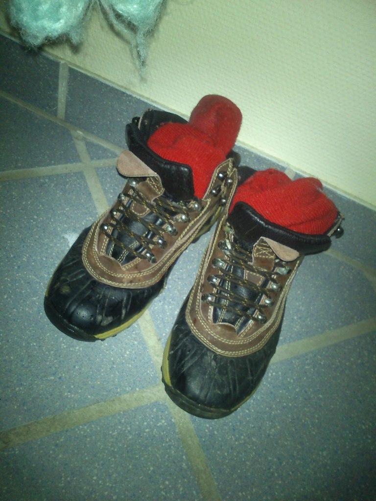 og selvfølgelig kraftigt fodtøj og tykke strømper