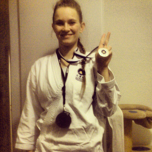 Billede af mig med dagens medalje i stil med det fra Herning-stævnet